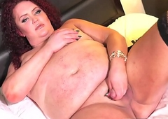 Redheaded curvaceous lady-man wanks